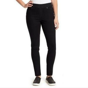 NWT Gloria Vanderbilt Avery Pull on pants 18 SHORT